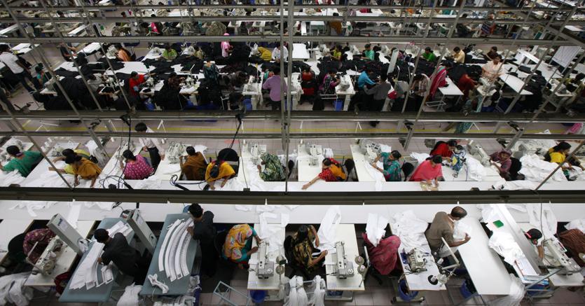 Caporalato industriale: il tessile come nel Bangladesh